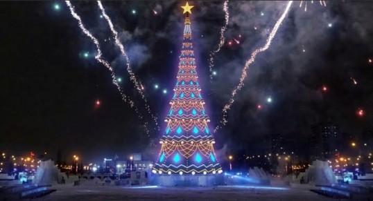 В Перми начали устанавливать главную городскую елку