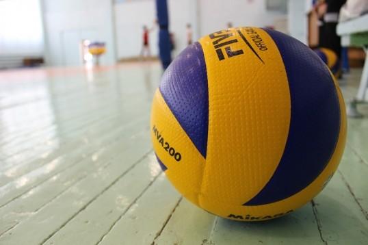Среди педагогических коллективов Кунгурского района прошли соревнования по волейболу