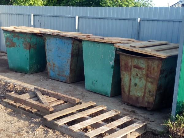 В д. Поповка обустроили новую контейнерную площадку
